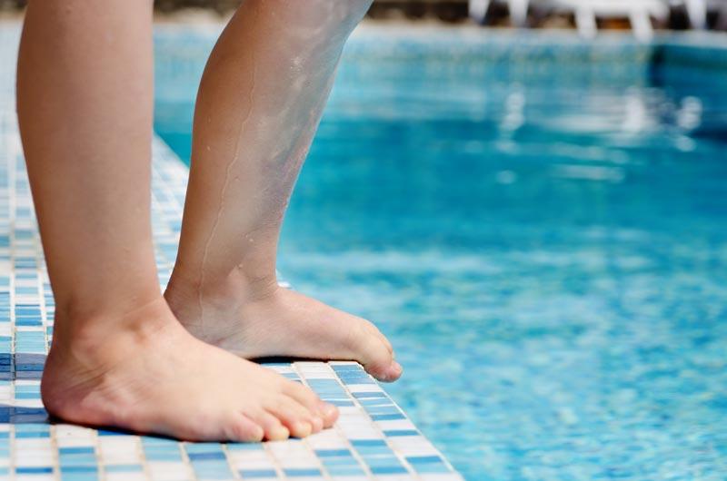 margelle piscine en carrelage